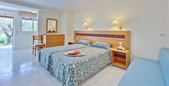Family Double Room with garden BB in Mendi hotel