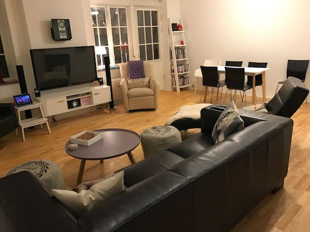 Luksus appartment i centrum på 120 kvm. - Randers - Apartment