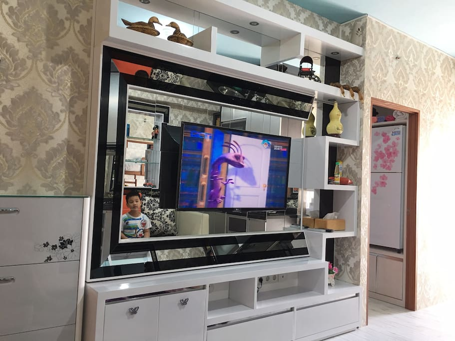 TV Set with Digital+Analog Local Channel