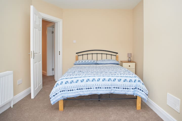 Double room in great location and modern house - Galway - Casa