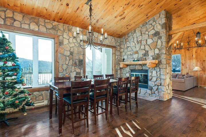 Enjoy luxury! Minutes from M.Tremblant and M.Blanc