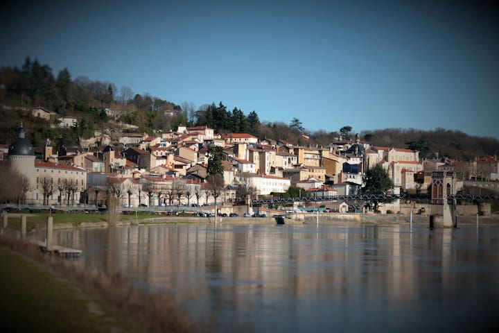 Between Lyon, Beaujolais, Dombes