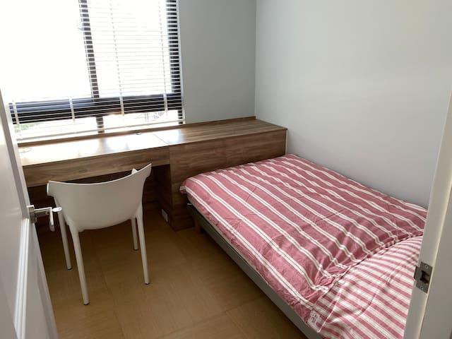 單人房(配電動床) Single Bedroom (with Italian motor beds)