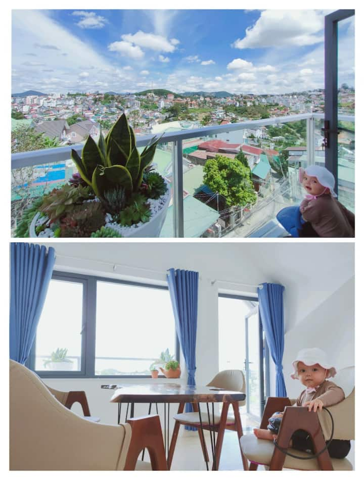 Zink Hotel – Couple Room with city view