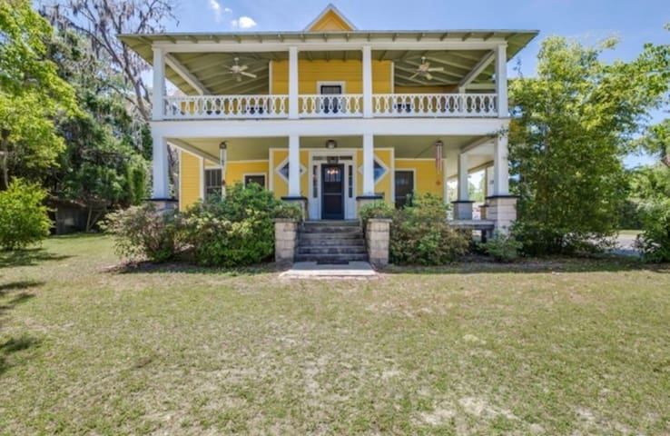 Gorgeous 1900's home Near the Springs - Fort White - Casa de férias