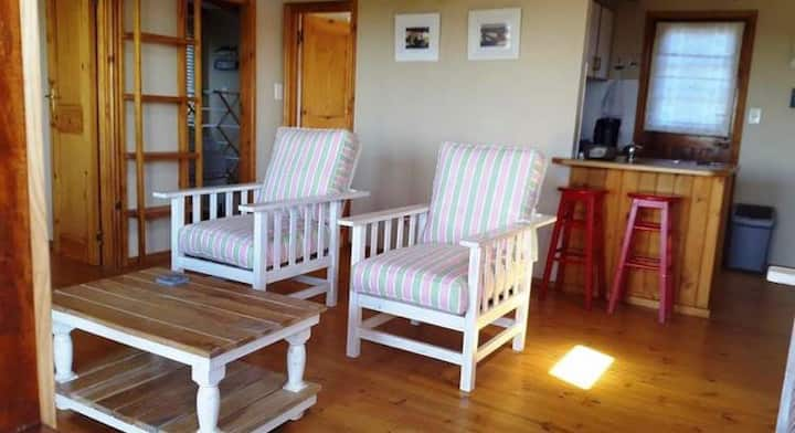 The Little Wooden Cabin - Pet Friendly