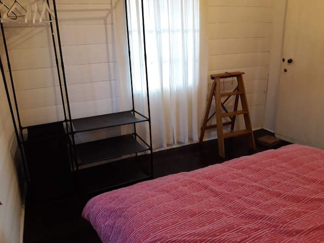 Large  room in cute workers cottage, Spring Hill.
