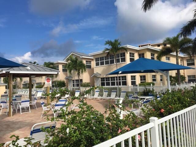 Great Family Vacation, beautiful lush resort