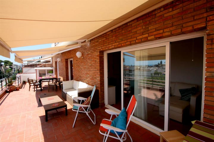 POMELO Apartment