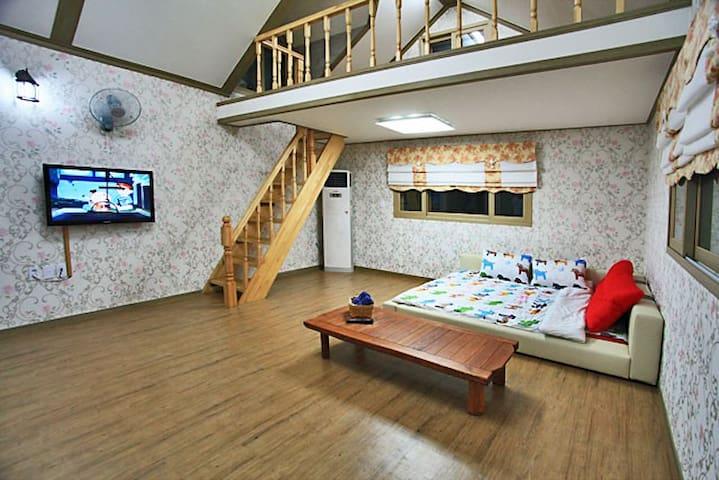 브로힐펜션 2층 라즈객실 - Ungcheon-eup, Boryeong-si