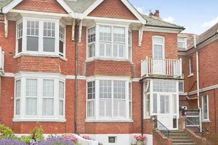 Charming Edwardian house by sea. - Bexhill