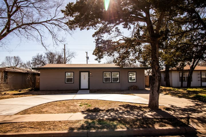 Cozy home near Medical, Tech, and LCU!