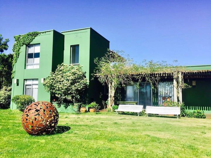Pintorezca casa campo Jose Ignacio