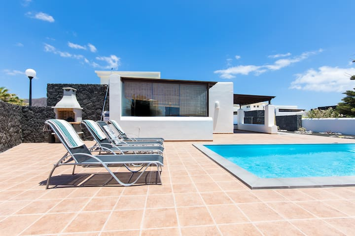 VILLA SEFA: Charming Villa, with private pool.