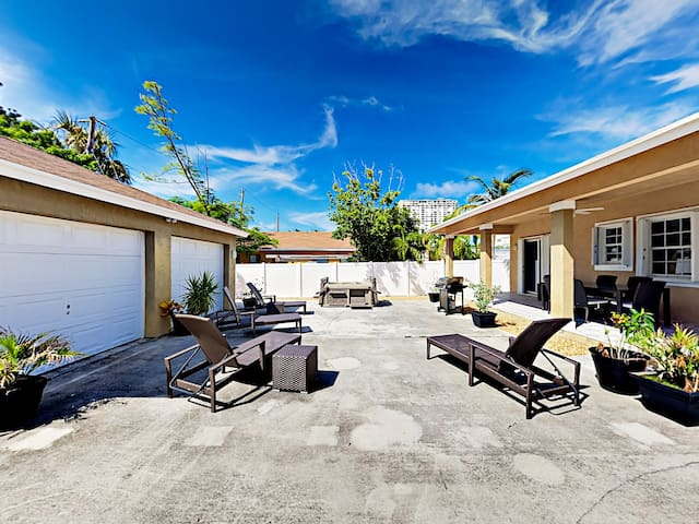 A spacious patio features 4 lounge chairs.