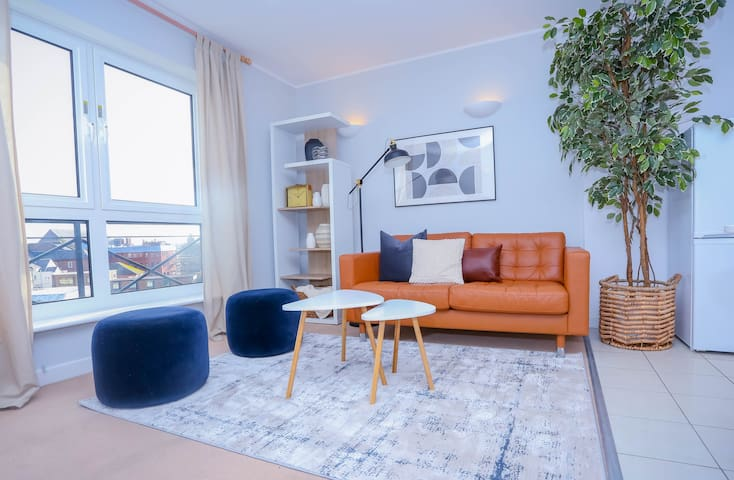 Modern Double Bedroom Apartment