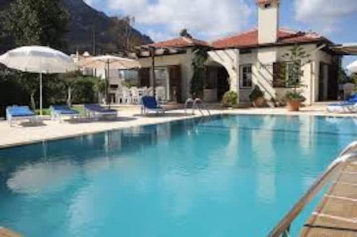 Villa Tanyeli near the beach with private pool