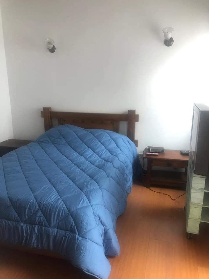 Habitación privada en casa en cedritos