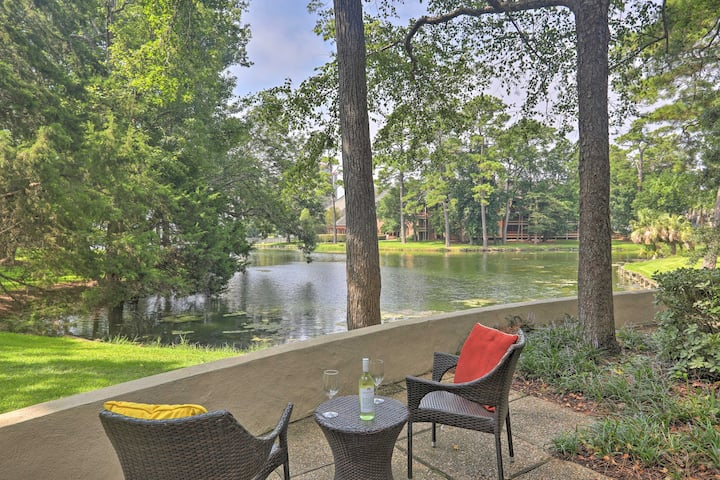 Peaceful Kingston Plantation Escape w/ Lake Views!