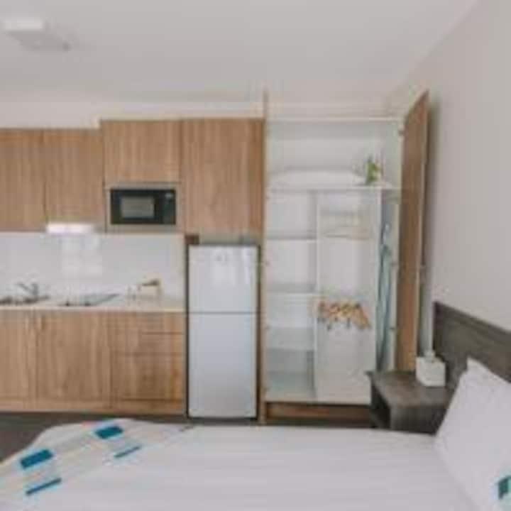Studio Apartment, Beaumont Street, 2 single beds