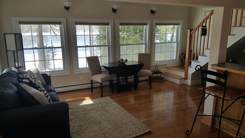 Beautiful, Relaxing, Waterfront Cottage - Dunbarton - Casa