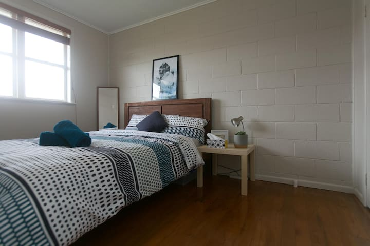Cozy room close to Airport, cafes and CBD. - Auckland - Hus