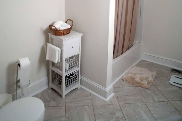 Bathroom - 1st Fl