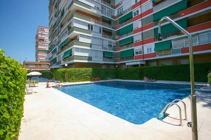 Lovely flat with 2 pools and jacuzzi, city center. - Madrid - Daire