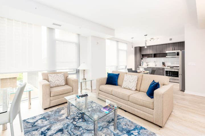 Modern One BR Apartment   Pentagon City   by GLS