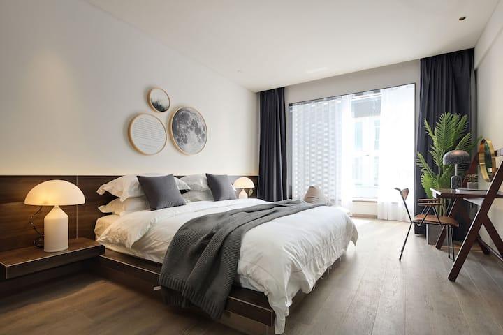 Wuzhen乌镇西栅|豪华大床房|提供双早和接送|智能马桶超大落地窗