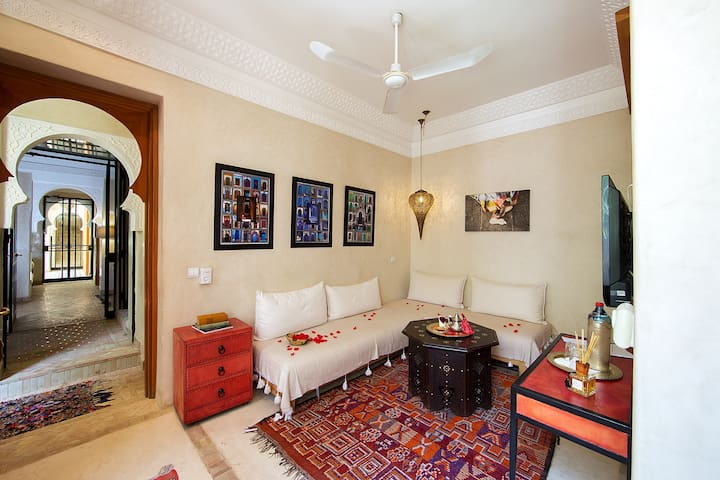 Gorgeous traditional Riad in Dar Justo 10 r/20-26p