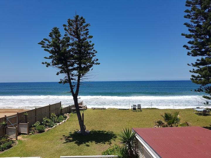 Beachfront Surfside apartment; Apt 7 Apartment 7 ·