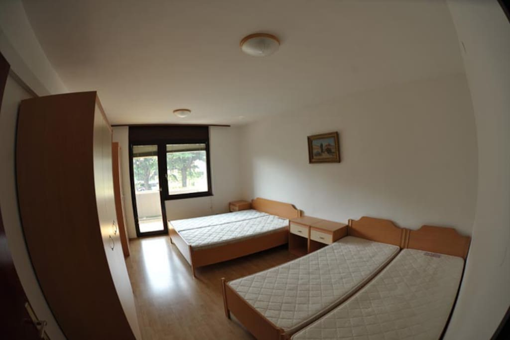 Bedroom with 4 beds