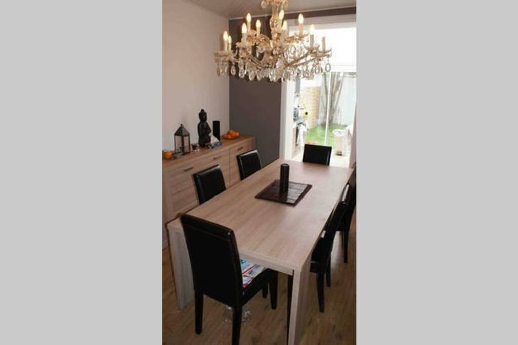 Chambre dans maison avec jacuzzi et jardin maisons for Chambre jacuzzi bruxelles