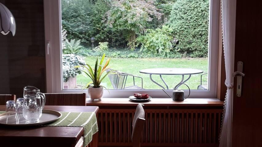 Ruhige Wohnung   mit  Garten und Terrasse