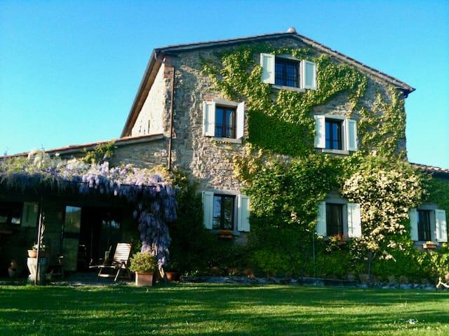 Idyllic Umbrian House for Holidays, Yoga Retreats