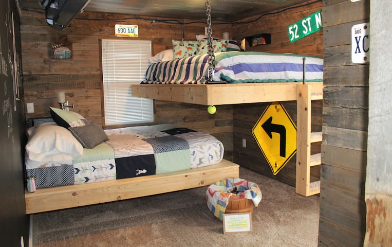 Bedroom 2 has bunk beds with full-size mattresses.