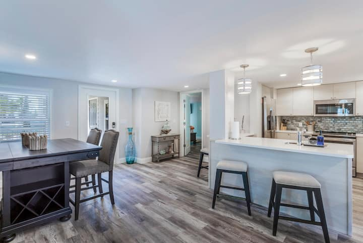 4 Bedroom Island Escape - Fort Myers Beach