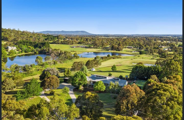 Luxury Home on 7 Stunning Acres, Tennis & Glamping