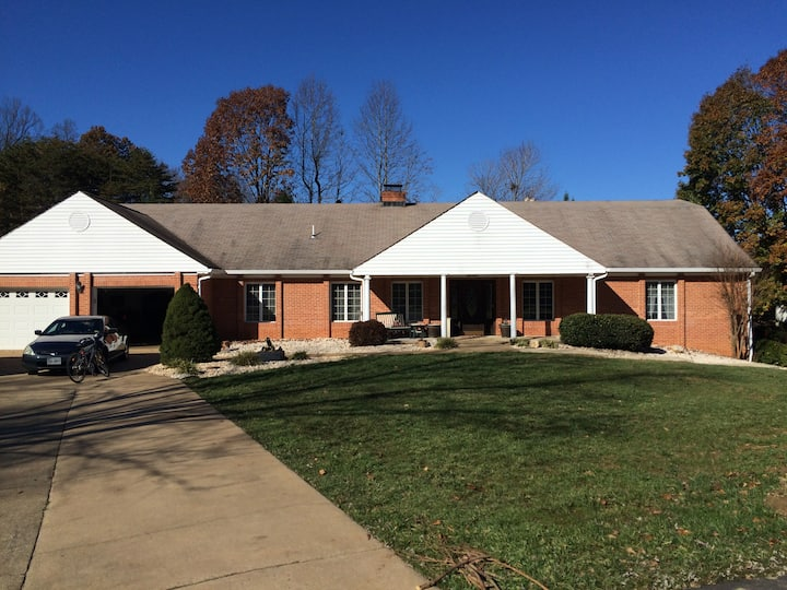 HOME RESORT in the HEART of PRINCE WILLIAM COUNTY