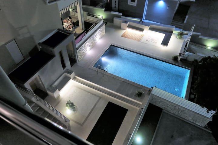 Villa Luxuria - apt.4 - White Rabbit - Novalja - Appartement