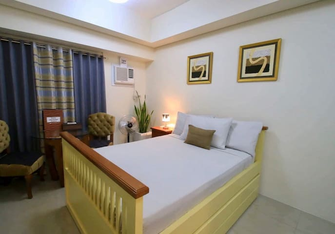 50mbps Wifi, Cable & Netflix in Makati CBD, U2617