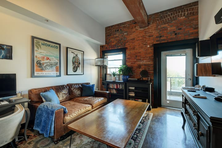 Red Brick Abode  with AC