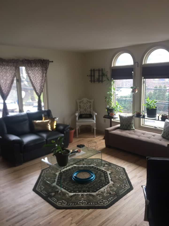 Beautiful Twnhse w/ Private Bedroom 5min frm NYC