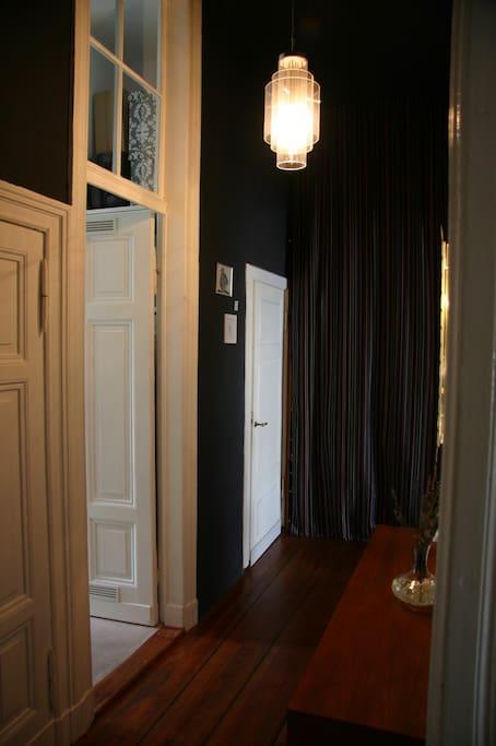 Zugang Gästetoilette, Bad, Küche