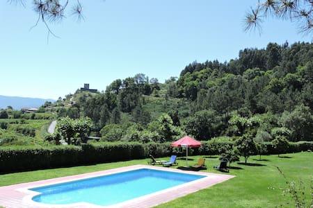 Casa das Vessadas - Castelo - Villa