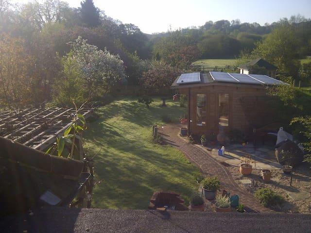 Log cabin, sunny garden, Godalming. - Godalming