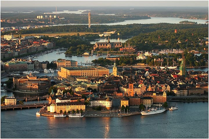 Karlaplan - Best place and location in Stockholm!