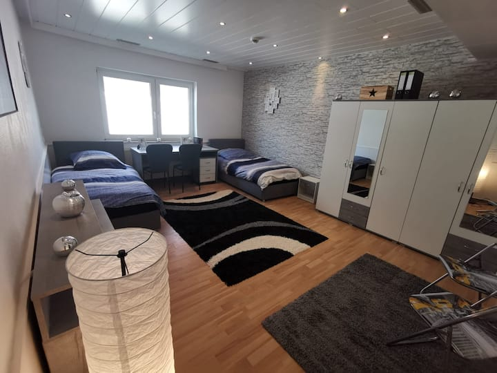 EG10-Schicke 3 Zimmer App.Bad/Küche/WC für 5 Pers.