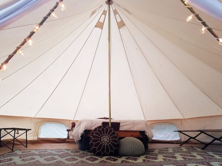 Kings Riverfront w/20ft. Bell Tent & Kitchenette